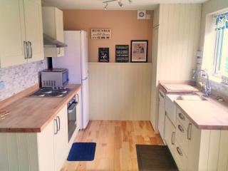 Charming 3 bedroom Lamlash Cottage with Internet Access - Lamlash vacation rentals