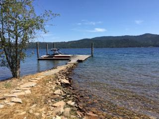 Coeur d'alene Lake House with 110' of beach - Coeur d'Alene vacation rentals