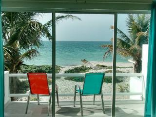 CASA DEL MAR-BEACH FRONT, BEAUTIFUL VIEW - Chelem vacation rentals