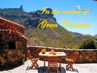 Guest rooms (chambres d'hôtes) in Tejeda, at Juan's place - Tejeda vacation rentals