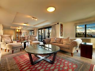 The Glebe Queenstown - Walter Peak Penthouse - Queenstown vacation rentals