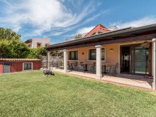 Villa La Scogliera Camera 2 - Fontane Bianche vacation rentals