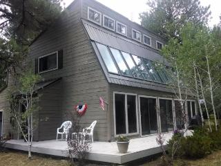 Fairway is a 3 bedroom vacation home in Pagosa Springs right on the golf course. - Pagosa Springs vacation rentals