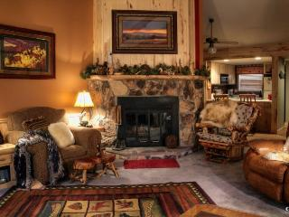 Book this cozy condo, centrally located in the Pagosa Lakes Area, and cherish a relaxing, memorable vacation with your family and friends. - Pagosa Springs vacation rentals