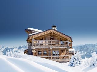 Adorable Chalet with Balcony and Housekeeping Optional - Courchevel vacation rentals