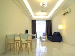 Nice 2 bedroom Apartment in Klebang Kechil with A/C - Klebang Kechil vacation rentals