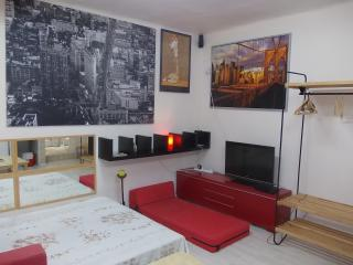 COOL APARTMENT IN THE CENTER - Tel Aviv vacation rentals