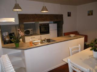 Charmant gite - Aurillac vacation rentals