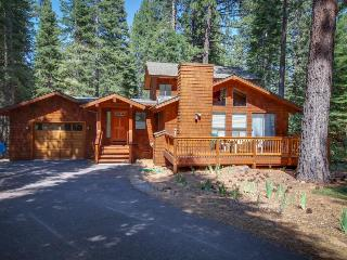 Remodeled home w/ a private hot tub, shared pools & a free shuttle to skiing! - Truckee vacation rentals