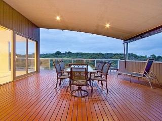 Bright House with Dishwasher and A/C - Cape Schanck vacation rentals