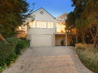Bright House with Dishwasher and Television - Blairgowrie vacation rentals