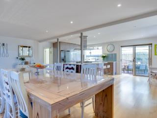 Spacious Mornington vacation House with Internet Access - Mornington vacation rentals