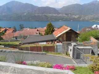 2 bedroom Townhouse with Internet Access in Omegna - Omegna vacation rentals