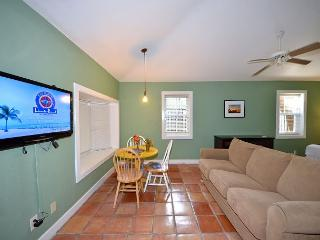 Seagull Suite - Affordable Suite w/ 3 Hot Tubs On Site. Steps to Duval St! - Key West vacation rentals