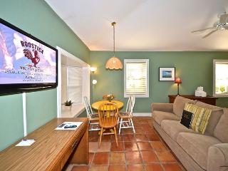 Osprey Suite - Secluded Cottage w/ 3 Hot Tubs On Site. Steps to Duval St! - Key West vacation rentals