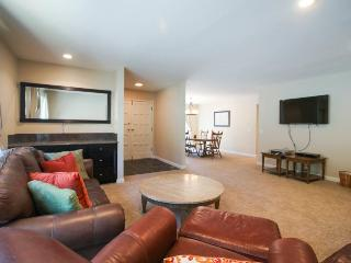 Fully renovated vacation rental with 3D TV - Close to beach and skiing - South Lake Tahoe vacation rentals