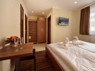 Bright 13 bedroom B&B in Donovaly - Donovaly vacation rentals
