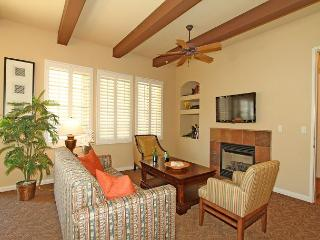 A Private Downstairs Studio with a Direct Mountain View close to the Pool - La Quinta vacation rentals