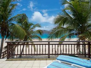 Rayon de Soleil - Ideal for Couples and Families, Beautiful Pool and Beach - Flamands vacation rentals