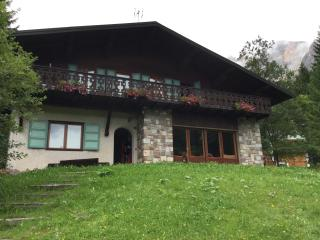 Appartamento panoramico, grande balcone e garage - San Martino Di Castrozza vacation rentals