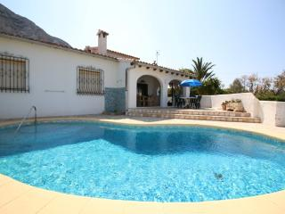Cozy 3 bedroom Denia Villa with Washing Machine - Denia vacation rentals
