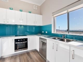 13 'Bayview Towers', 15 Victoria Parde, Nelson Bay - Nelson Bay vacation rentals
