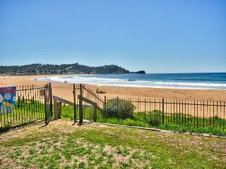 HI SURF 2 - Prime Position - Avoca Beach vacation rentals