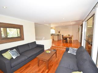 Spacious 6 bedroom House in Macmasters Beach - Macmasters Beach vacation rentals