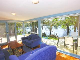 Beautiful 3 bedroom House in Macmasters Beach - Macmasters Beach vacation rentals