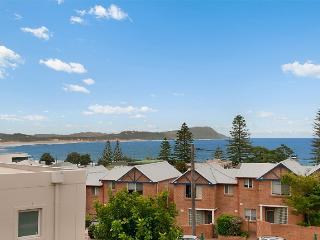 Bright 3 bedroom House in Terrigal - Terrigal vacation rentals