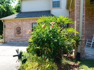 Kemah-Seabrook NASA-Steps from Galveston Bay Apt. - Seabrook vacation rentals