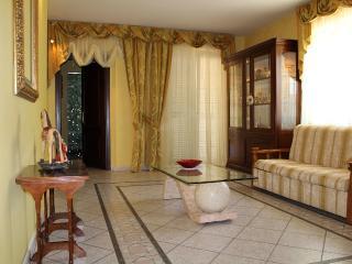 Appartamento per 4 persone in Villa i Melograni - Ciampino vacation rentals