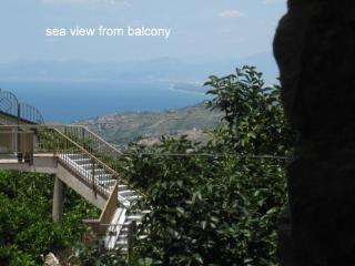 Cottage with sea view in village 15 mins to beach - Laureana Cilento vacation rentals