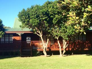 Spacious 4 bedroom House in Brenton-on-Sea - Brenton-on-Sea vacation rentals