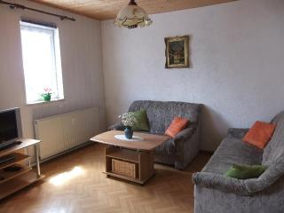 Vacation Apartment in Uhlstaedt-Kirchhasel - 700 sqft, quiet, sunny, comfortable, spacious (# 3558) - Grosskochberg vacation rentals
