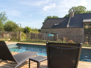Nice Gite with Internet Access and Wireless Internet - Caden vacation rentals