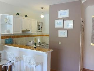 Tropical Modern Townhome steps to Orient Beach. - Orient Bay vacation rentals