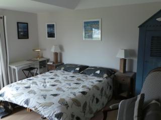 Chambre avec petite vue mer/salle d'eau privative - Saint-Jacut-de-la-Mer vacation rentals