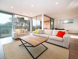 Gorgeous House with A/C and Television - Blairgowrie vacation rentals