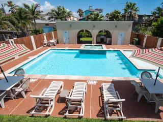 CLOSE TO BEACH! LARGE POOL/SPA/OUTDOOR KITCHEN! - South Padre Island vacation rentals