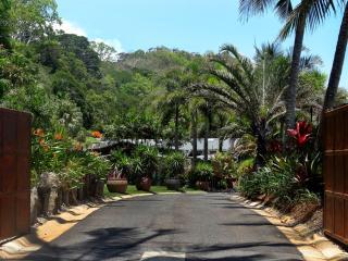 Perfect 5 bedroom House in Trinity Beach - Trinity Beach vacation rentals