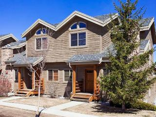 Comfortable family home with a private hot tub and a community pool & gym! - Park City vacation rentals