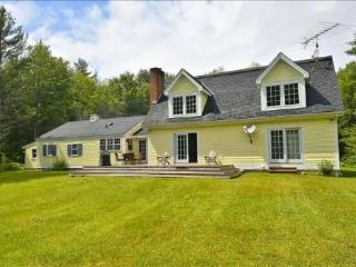 Charming 4 bedroom House in Stowe with Deck - Stowe vacation rentals