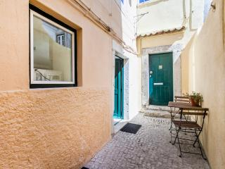 Loios A, ideally located 1 bdr apartment in Alfama - Lisbon vacation rentals