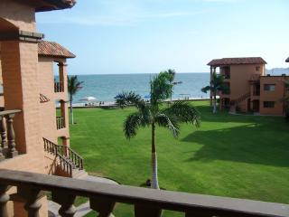 Beautiful Condo with Internet Access and A/C - San Carlos vacation rentals