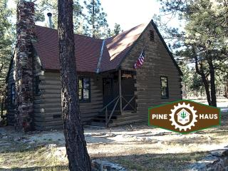 2 bedroom Cabin with Deck in Big Bear City - Big Bear City vacation rentals