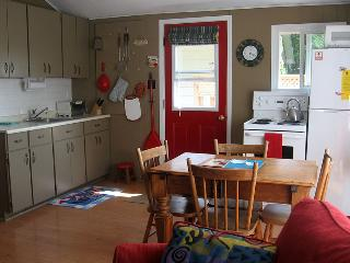 Comfortable Owen Sound vacation Cottage with Deck - Owen Sound vacation rentals