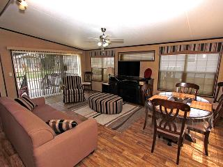 3 bedroom Cottage with A/C in Gravenhurst - Gravenhurst vacation rentals
