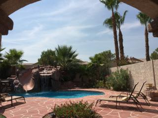 Paradise in Las Vegas, free solar heated pool - Las Vegas vacation rentals