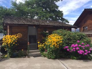 Cozy 1 bedroom Cottage in Summerland - Summerland vacation rentals